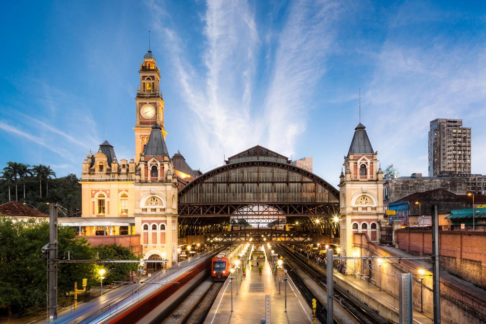 夕暮れのルス駅 ブラジルの鉄道風景