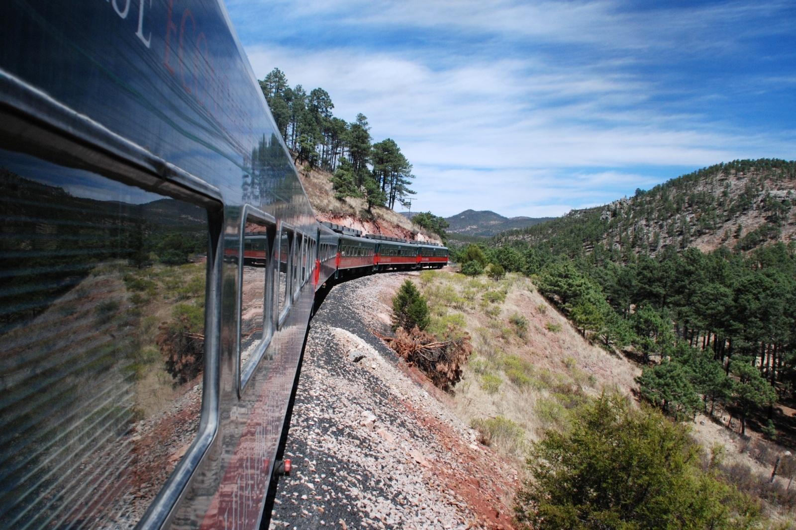 チワワ太平洋鉄道 メキシコの鉄道風景