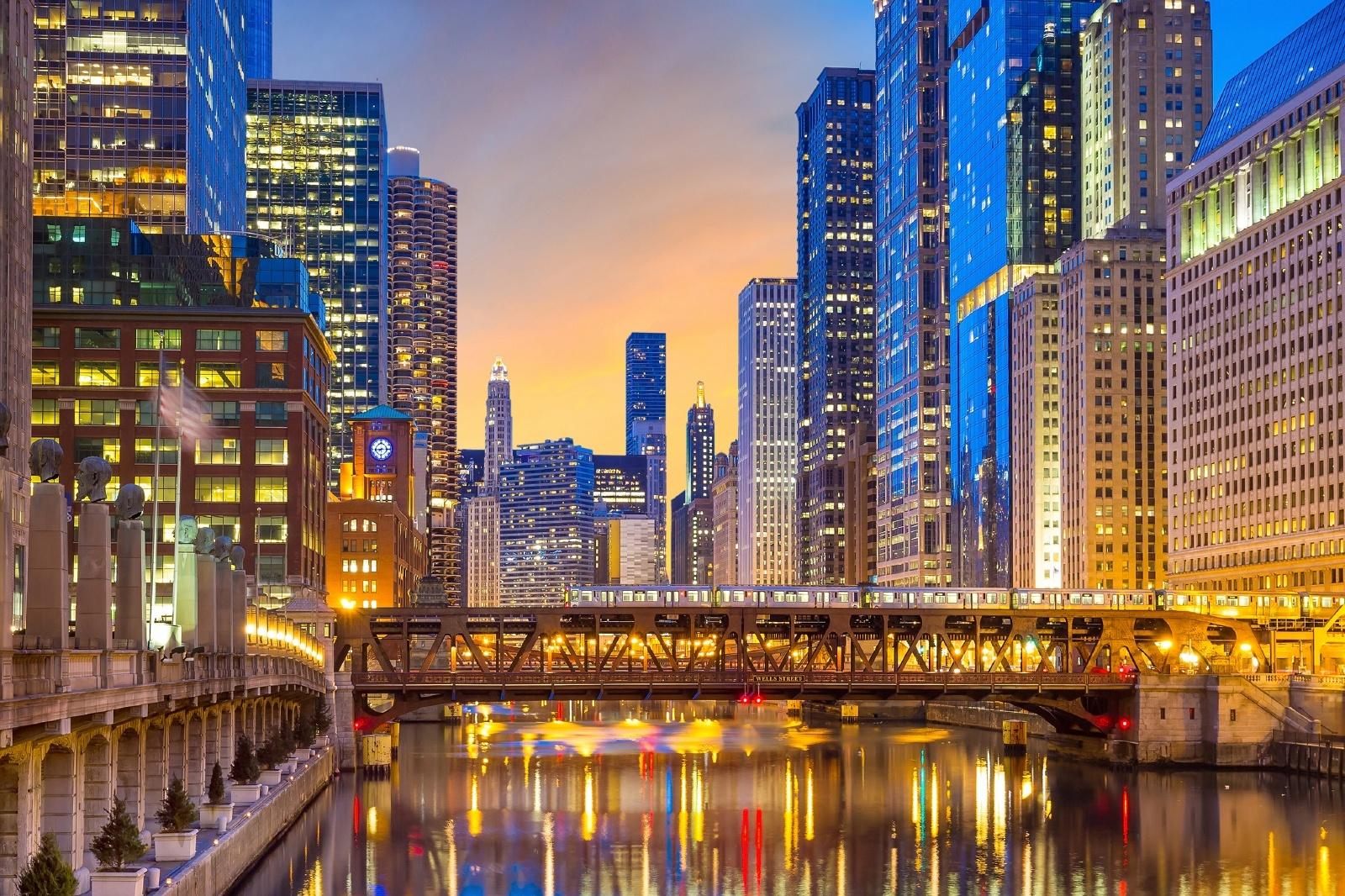 シカゴ川を渡るシカゴ'L' アメリカの鉄道風景