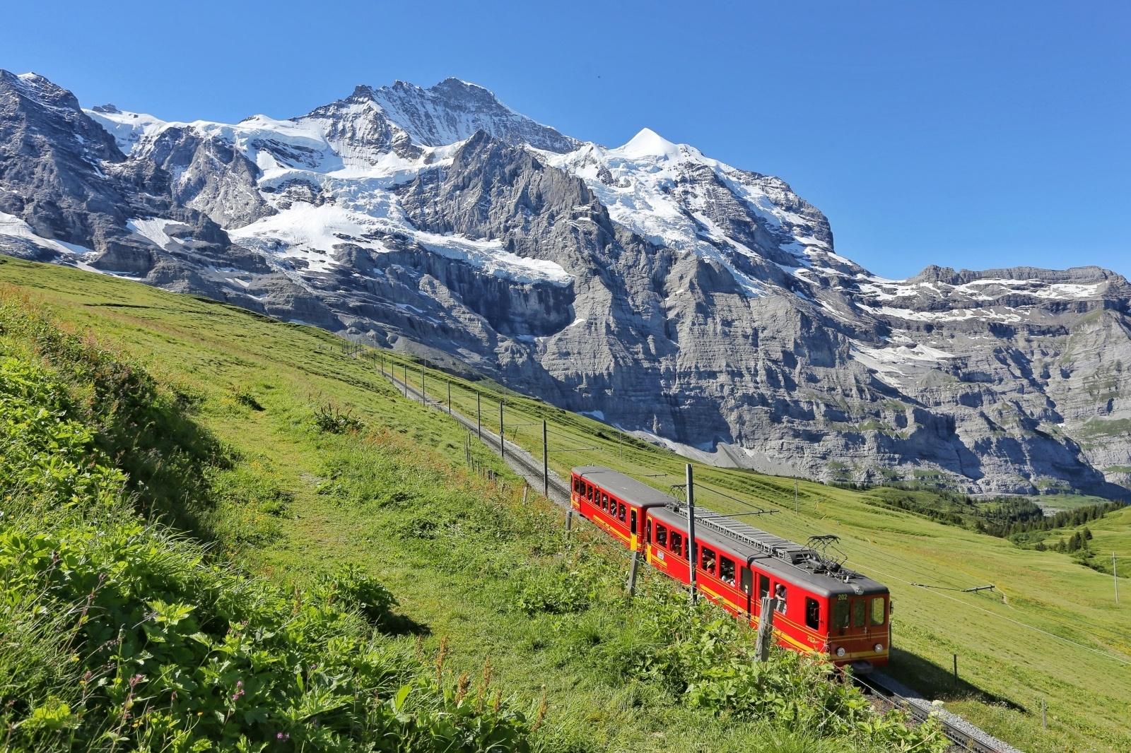 ユングフラウ鉄道 スイスの鉄道風景