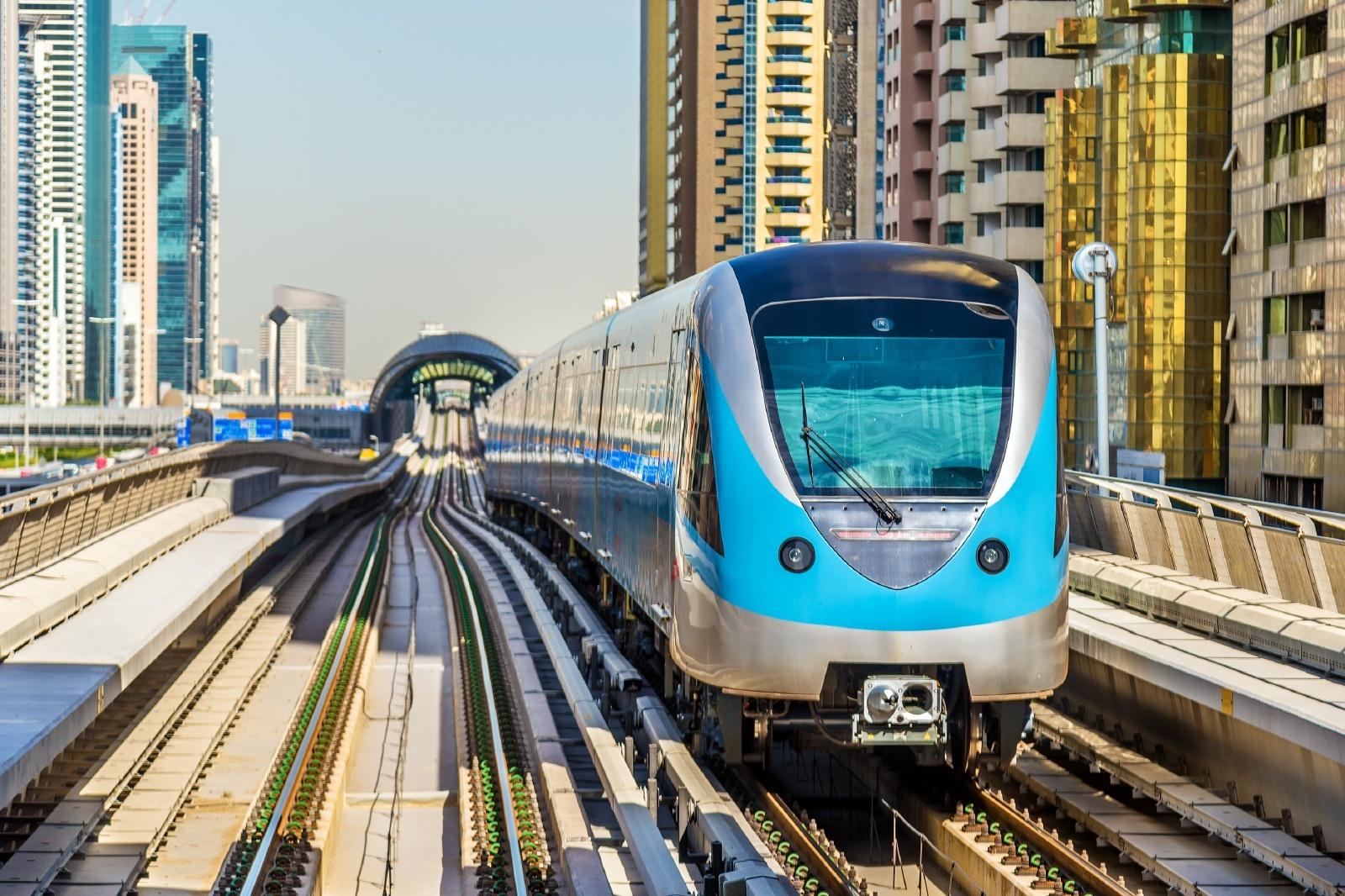 ドバイの鉄道風景