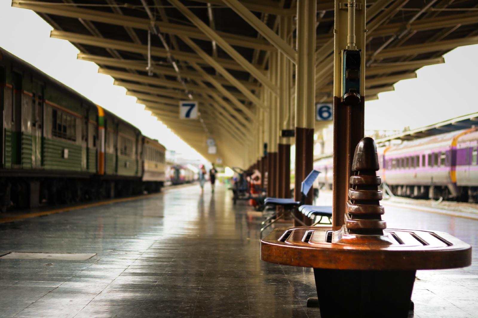 バンコク フワランポーン駅 タイの鉄道風景